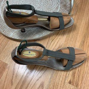 Donald J. Pliner Shoes - Donald J Pliner T Strap Bozie Sandals 40